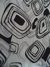 šifon geometrický vzor v šedé