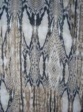 šatovka - crepe - hadí kůže v šedé